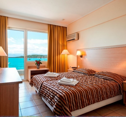 Double room sea view from distance